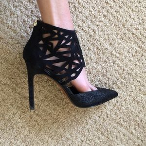 Dolce vita black pointed toe heels